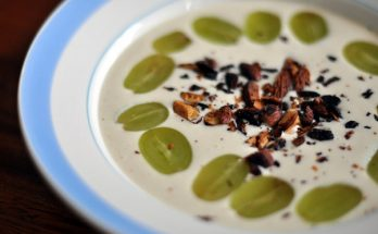 Photo of white gazpacho