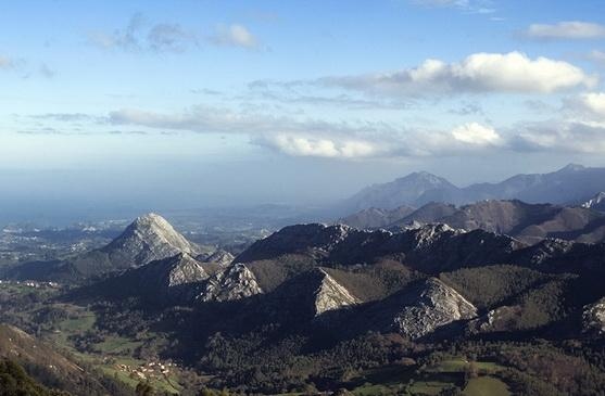 Picos view from El Fito nearby