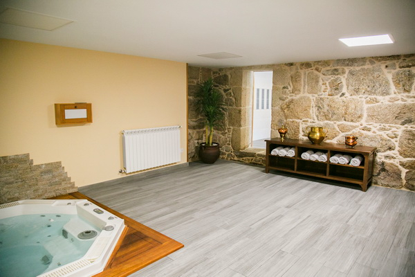 Jacuzzy room - basement