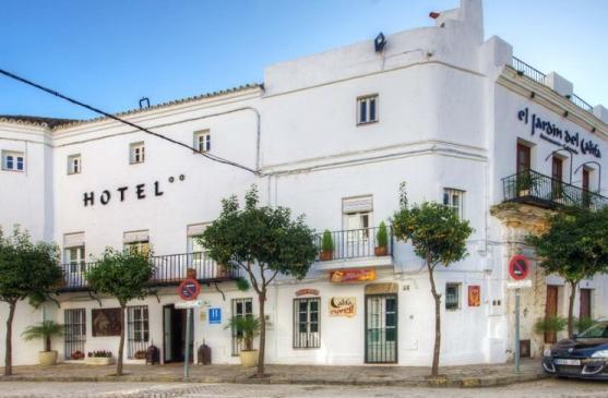 Town hotel moorish style vejer de la frontera andalucia for El jardin del califa hotel