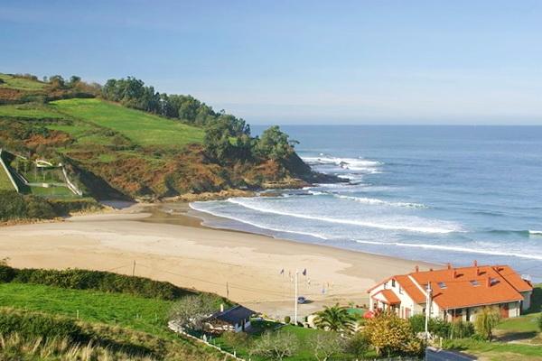 Cóbreces beach