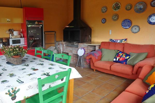 Enclosed gazebo lounge & kitchen
