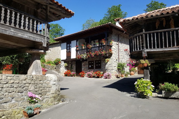 Self-catering accommodation in northern Spain