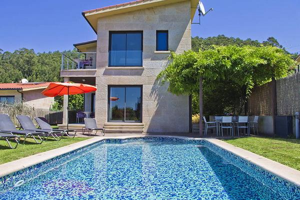 Villa & cottage accommodation in Galicia