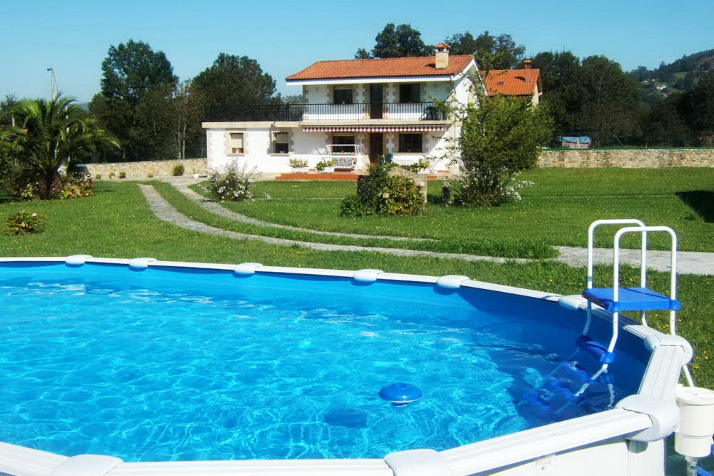 Villa with a pool in north Spain - Cantabria