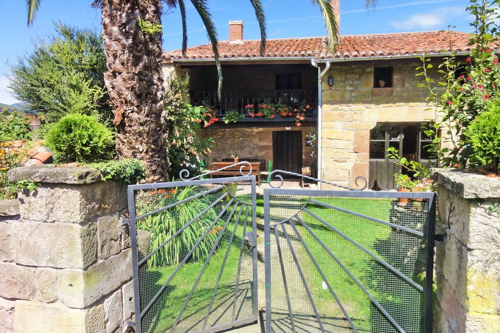 Villas & cottages in Cantabria. West coast, east coast or Picos de Europa